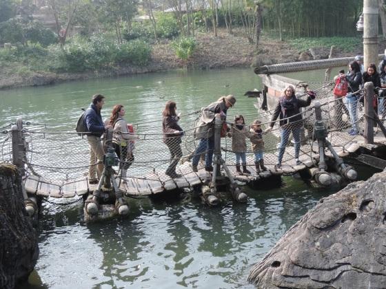 El puente flotante dió mucho juego